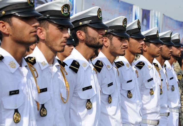 آیین رونمایی از کتب دريايی در ستاد فرماندهی نیروی دریایی سپاه