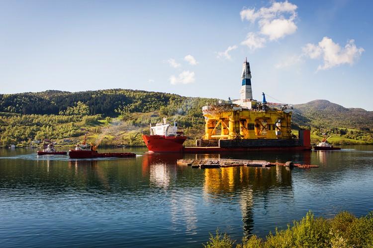 داک وایز: بزرگترین شرکت حمل و نقل سکوهای دریایی