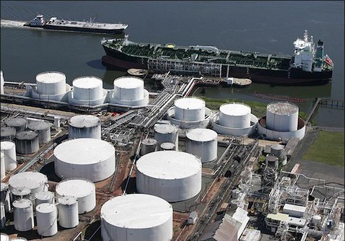بمباران نفتکش یونانی در سواحل لیبی