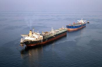 نجات دو نفتکش ایرانی از چنگ دزدان دریایی