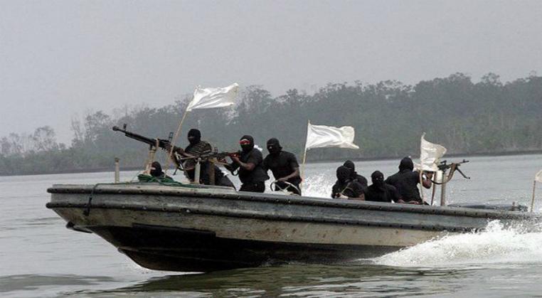 حمله دزدان دریایی به یک شناور حامل سوخت یونانی