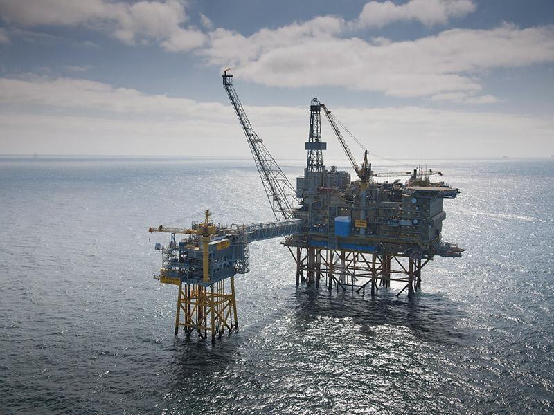 افزایش دو برابری سرمایهگذاری در صنعت نفت جهان