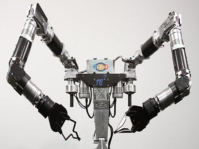 خنثی سازی بمبهای زیر دریا با بازوهای رباتیک