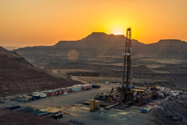 تحقق تولید زودهنگام میدان نفتی آذر تا پایان سال جاری