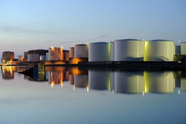 اثر گرانش در مخازن نفتی شبیهسازی شد