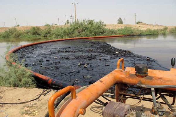 تجهیزات مبارزه با آلودگی نفتی رودخانهها فراهم میشود