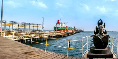 زمان بارگیری نفتکشها در پایانه نفتی خارک کاهش یافت