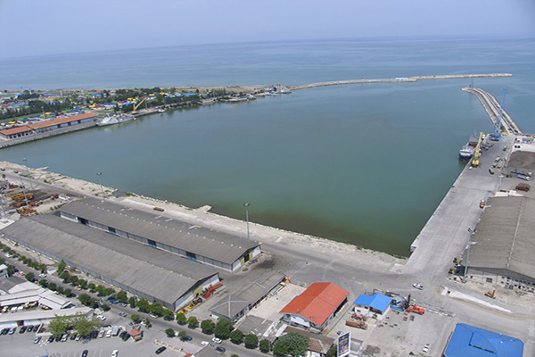 بررسی مشکلات سرمایه گذاران بخش خصوصی در بندر نوشهر