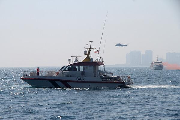نخستین مانور جستجو و نجات دریایی در آبهای کیش برگزار شد