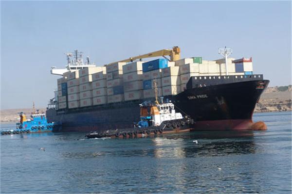 پهلو گیری کشتی هزار و ۴۲۲ TEU کانتینردر بندر شهید کلانتری چابهار