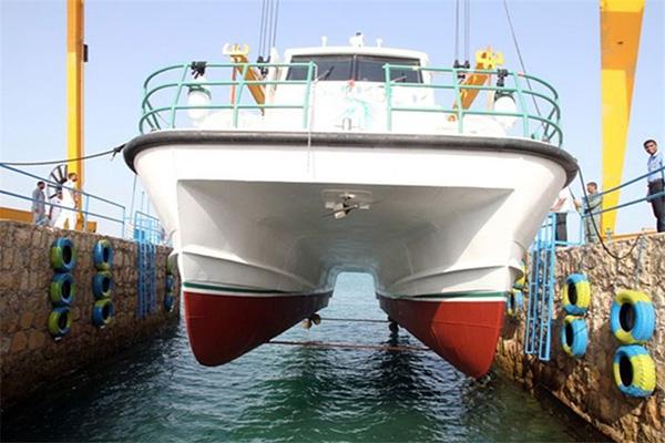 به آباندازی شناور کاتاماران در شرکت کشتیسازی اروندان