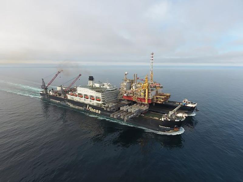 جابجاییهای غولآسا؛ انتقال دریایی سکوی شل به سواحل انگلستان