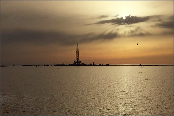 توسعه میادین نفتی و گازی در گروی سرمایهگذاری خارجیها؟