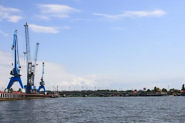 توسعه همکاریهای اقتصادی بندر اوکراین و منطقه آزاد انزلی