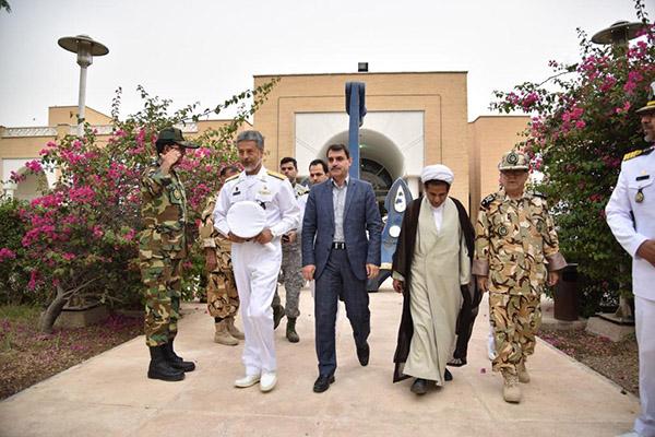 برگزاری اردوی معارف جنگ با حضور دریادار سیاری در مجتمع امام