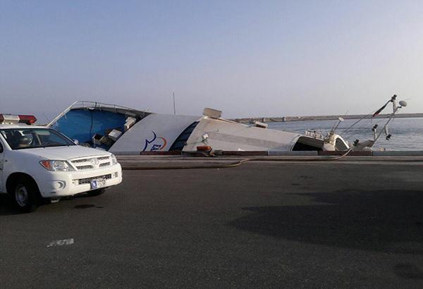 کشتی مسافربری دنا در جزیره کیش غرق شد