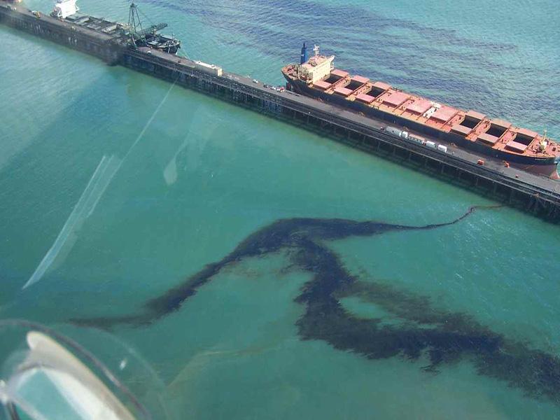 کویت با یک لکه نفتی دیگر مقابله میکند
