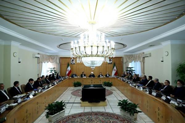 در هیات دولت تصویب شد؛ آیین نامه تشخیص قراردادهای مهم نفتی