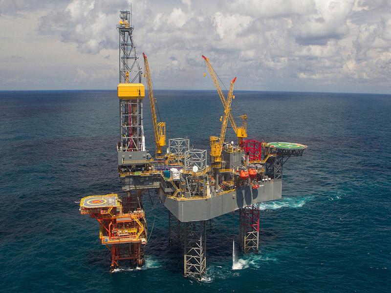 ضرورت سرمایهگذاری در تولید نفت فراساحلی