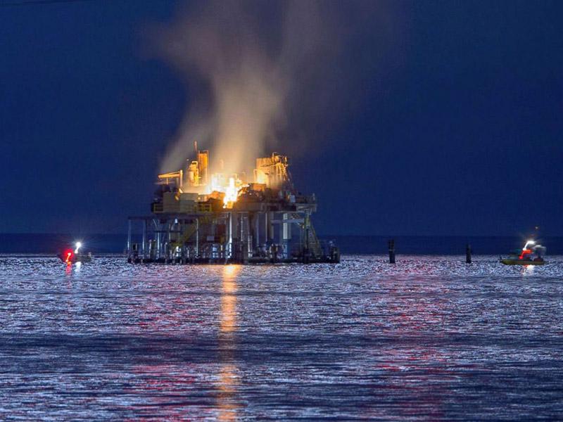 ۶ زخمی و یک مفقود در انفجار یک سکوی نفتی آمریکا