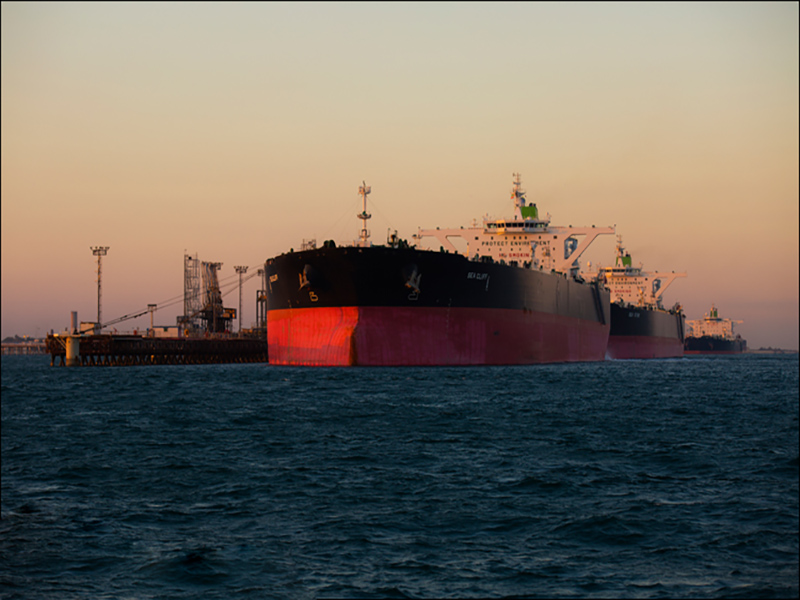 رئیس پایانه نفتی خارگ: خارگ از امنترین بنادر جهان است