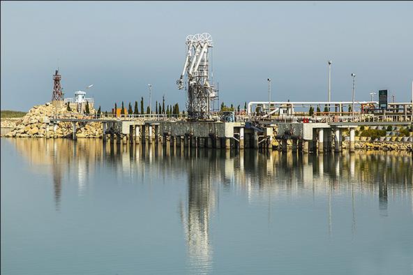 از تجربه پایانههای نفتی برای پاکسازی آلودگیهای خزر بهره