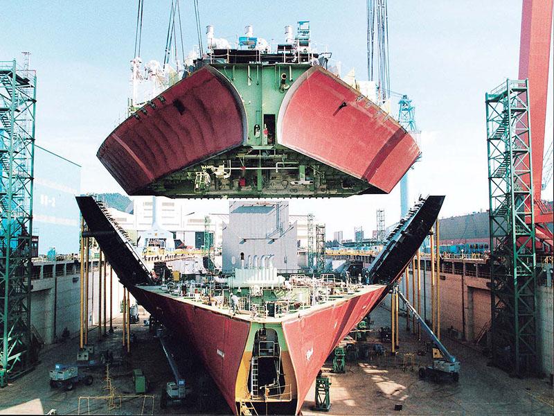 وزیر صنعت،معدن و تجارت:برای ساخت کشتی در کشور چیزی کم نداریم