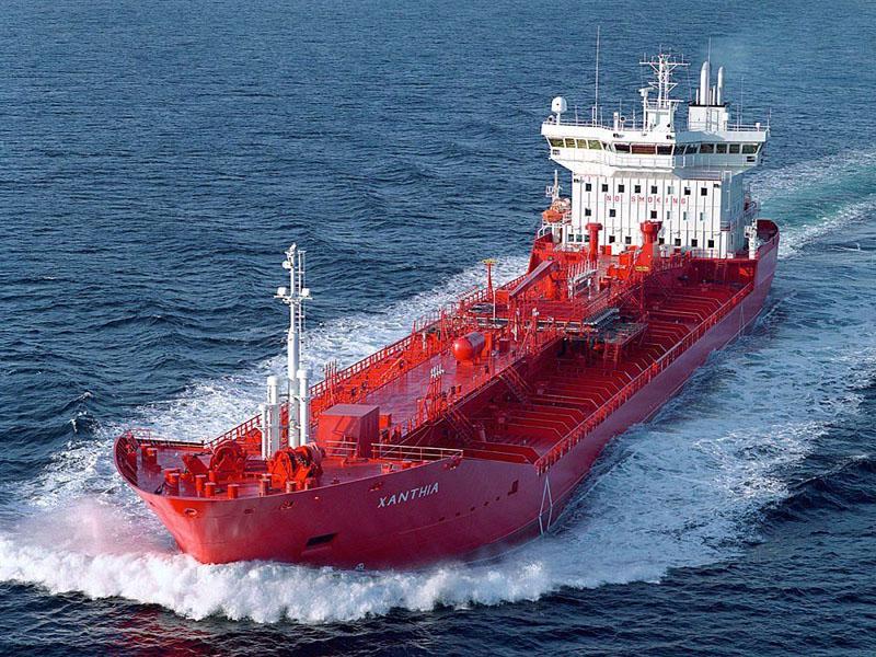 شرکتهای ژاپنی واردات نفت ایران را از ماه آینده متوقف میکنند.