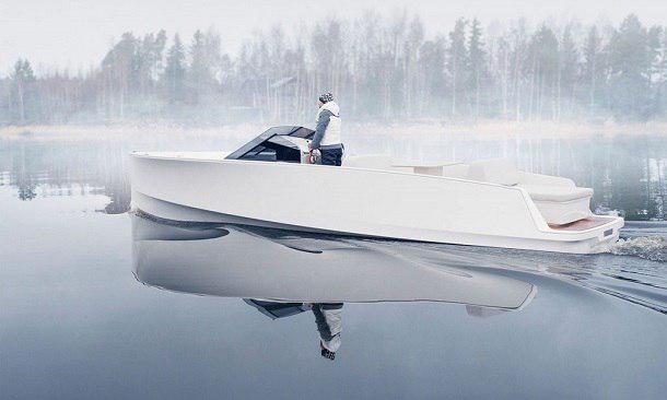 کنترل قایق لوکس دوستدار محیط زیست با آی پد