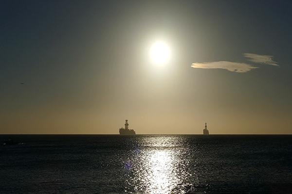 ایران ذخیره سازی نفت روی دریا را آغاز کرده است؟