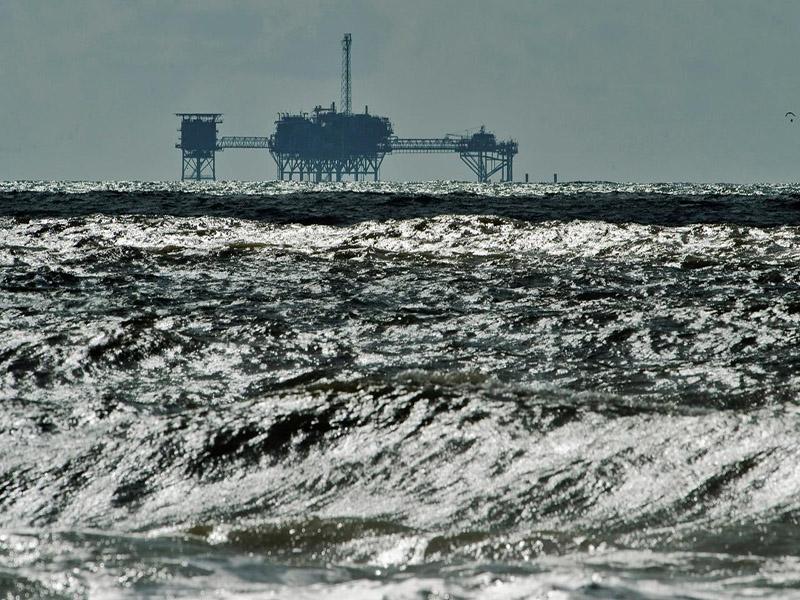 ۱۹ درصد تولید نفت آمریکا در خلیج مکزیک متوقف شد