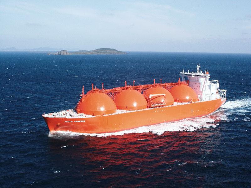 چین واردات گاز مایع از قطر را جایگزین آمریکا میکند