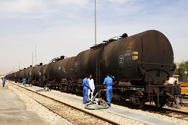 پایانه ریلی نفتی در بندر شهید رجایی راه اندازی شد