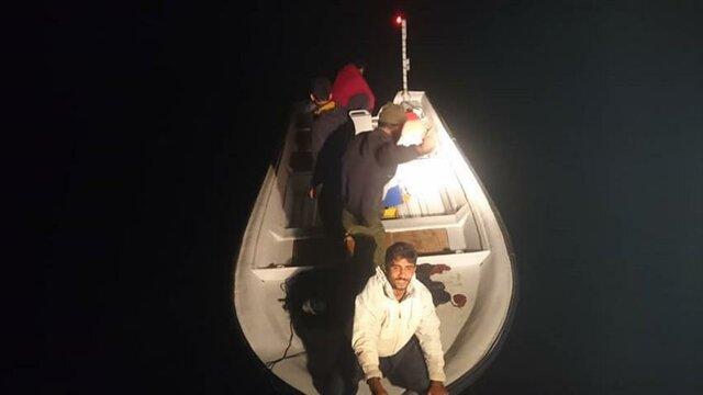 نجات 4 صیاد گمشده در دریای عمان طی عملیات جستجو و نجات دریای
