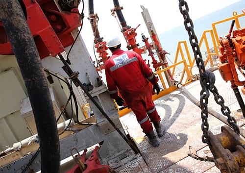 جابهجایی ۱۰۰ دستگاه حفاری چاههای نفت و گاز در ۱۰ ماه امسال