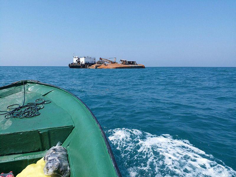 خارجسازی شناور مغروقه نويد يك  از عمق 30 متری