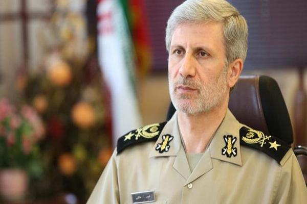 با حضور وزیر دفاع، سامانه پیشرفته راداری آفاق رونمایی شد