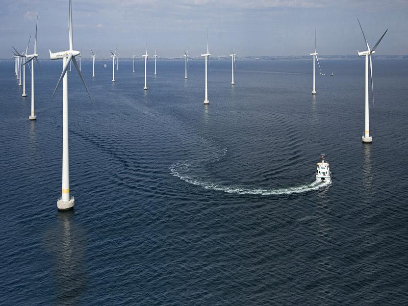 تامین انرژی بیش از 1 میلیون خانه با مزرعه بادی وسط اقیانوس