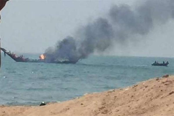 یک فروند لنج تجاری در آبهای ساحلی بندرلنگه غرق شد